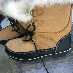Champion Women Elysia tan winter boots